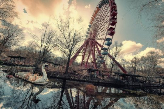 The World's Creepiest Abandoned Amusement Parks