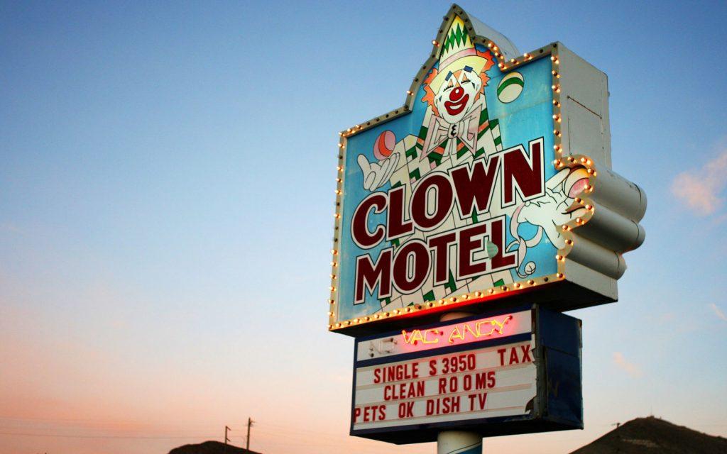 Clown-Motel-Nevada-ROADSIDE1215