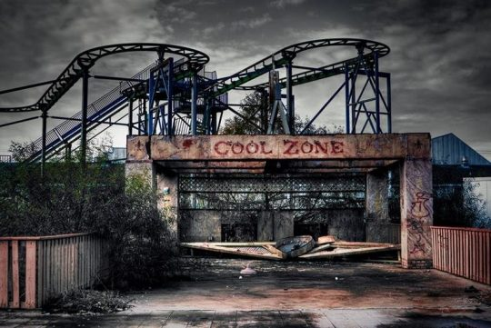 Video shows the beauty of decay at Abandoned Theme park!