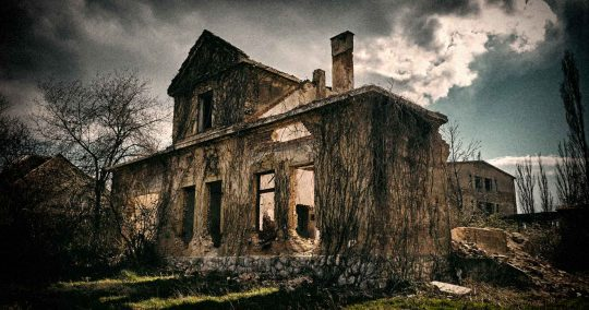 The Story of Rhode Island's OFFICIAL Haunted factory is beyond creepy!