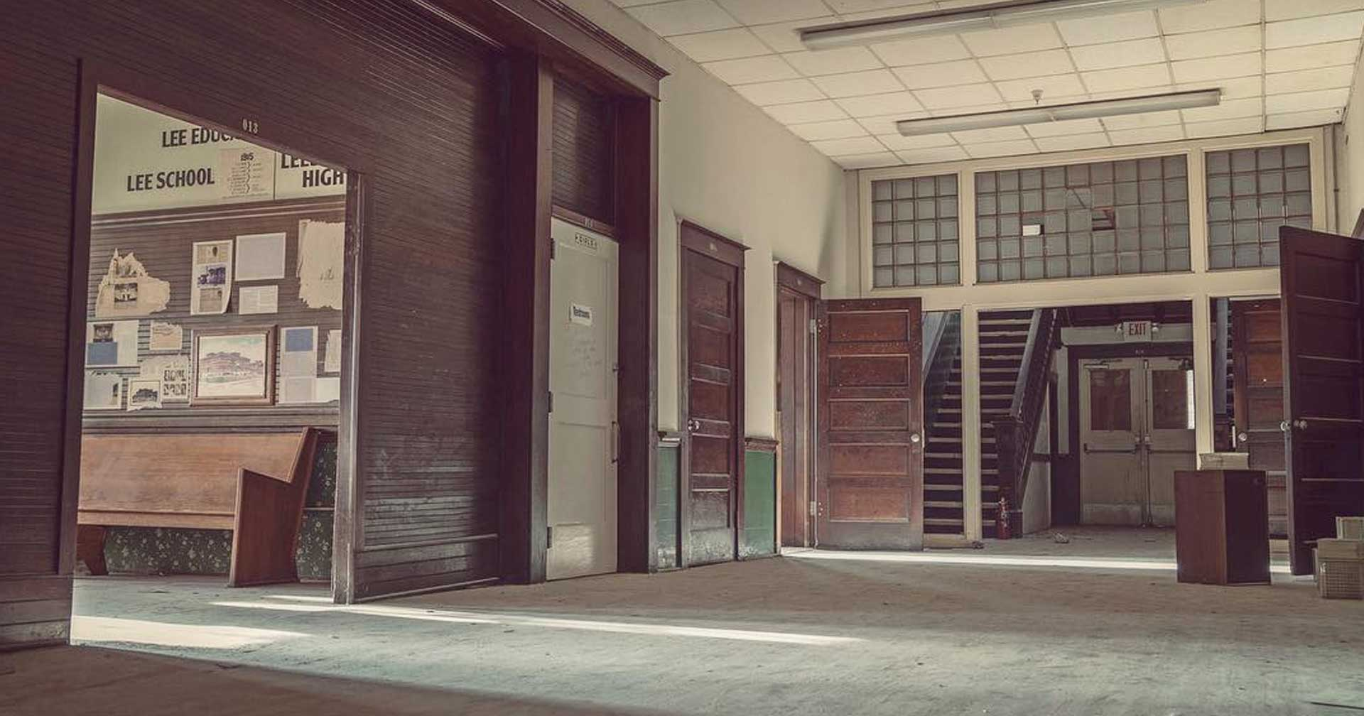The video of this creepy abandoned school in florida is stunning - The house in the abandoned school ...
