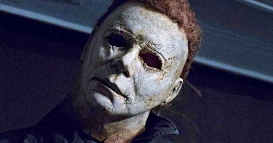 Halloween (2018) trailer is here with some scary treats!
