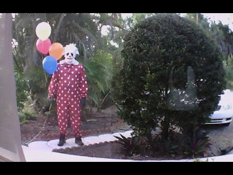 Wrinkles the creepy clown is being creepy