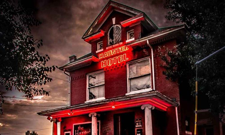 This Haunted Hotel in Kentucky is Terrifying!