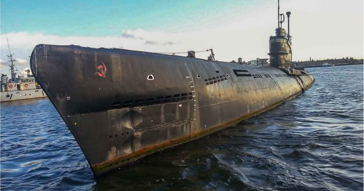 Unbelievable Abandoned Soviet Submarine!